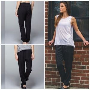 Lululemon May to Street jogger pant with poskets